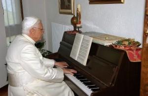 B16 AL PIANO.jpg