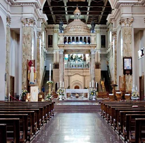 Santuario del Sacro Cuore di Gesù interno.jpg
